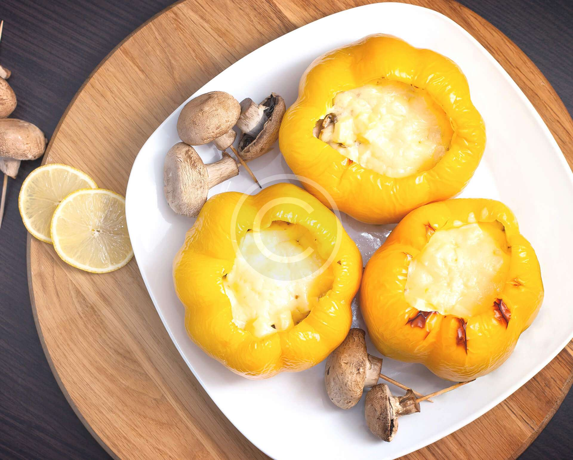 Sweet peppers With  Chicken & cheese